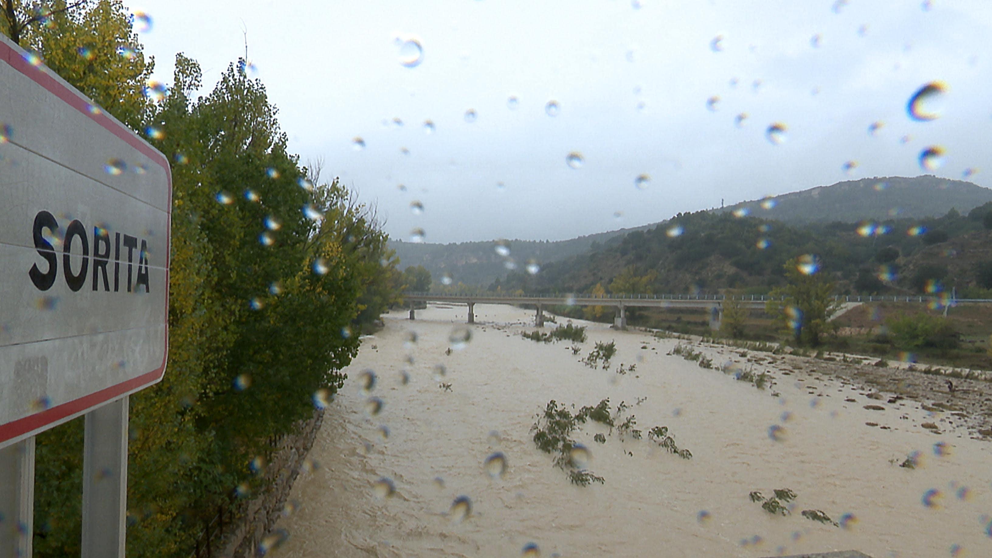 El temporal deixa un despreniment a La Balma i la crescuda del Bergantes