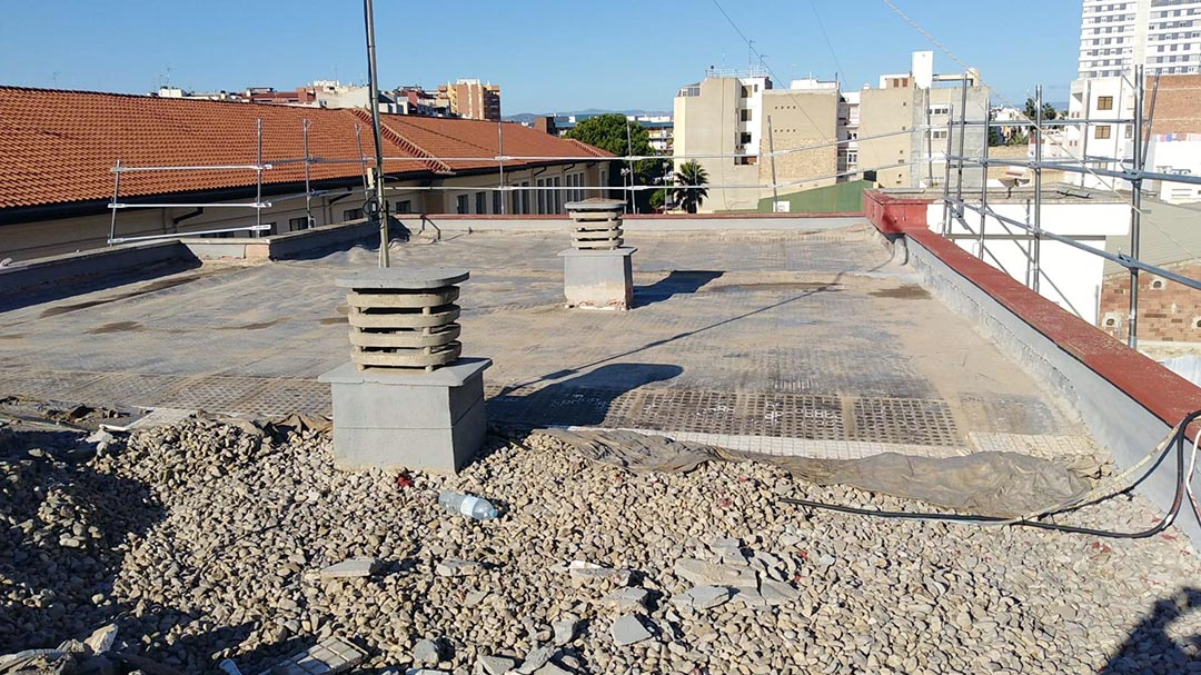 Comencen les obres a les cobertes i paviment del CEIP Marqués de Benicarló
