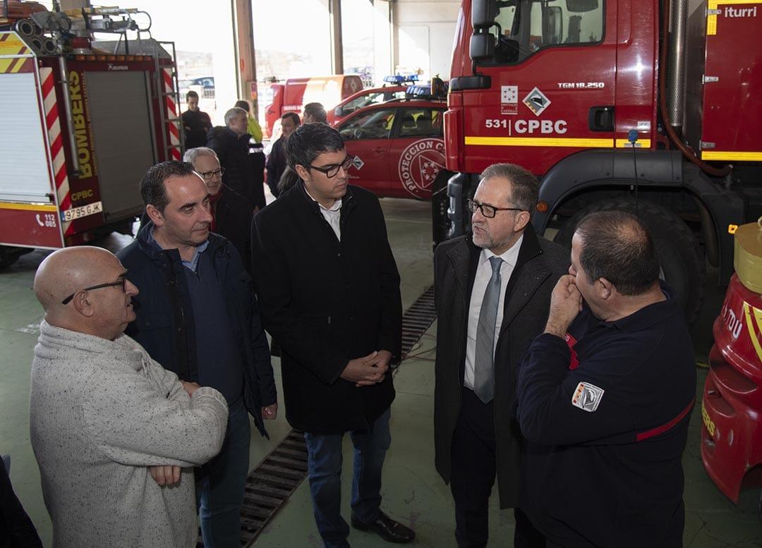 José Martí destaca a Morella la gran capacitat tecnològica del parc de bombers
