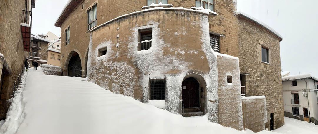 La tempesta Glòria deixa gruixos de 60 cm de neu i col·lapsa els Ports