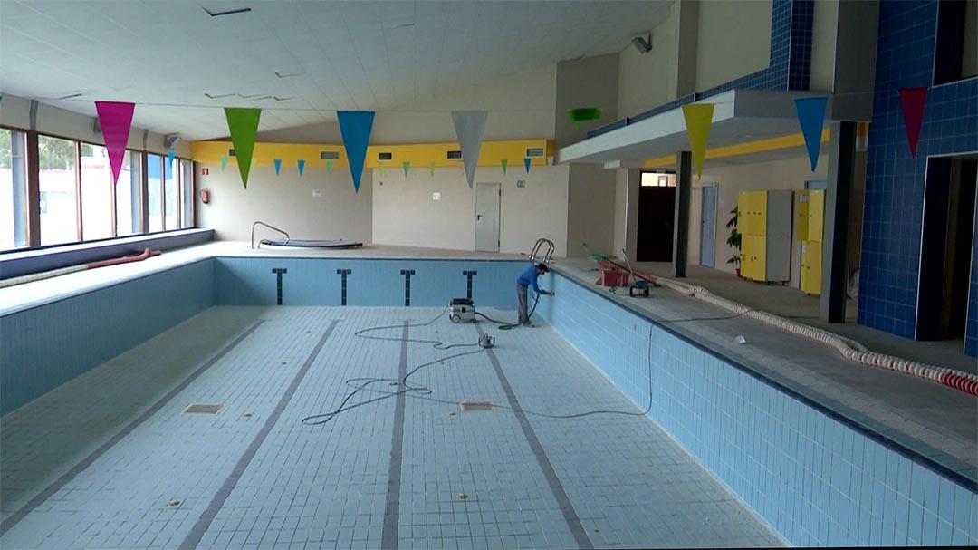 Vilafranca aprofita per a fer millores a la piscina coberta