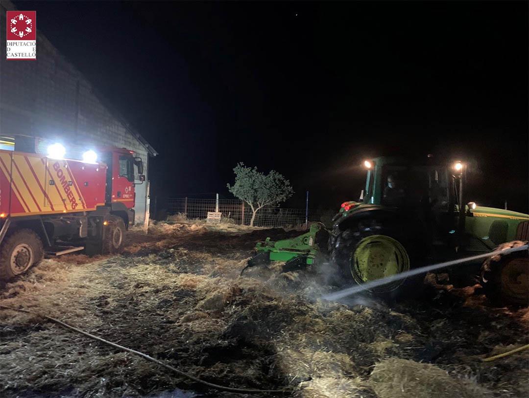 Més de 48 hores després, els bombers donen per extingit l'incendi de la pallissa