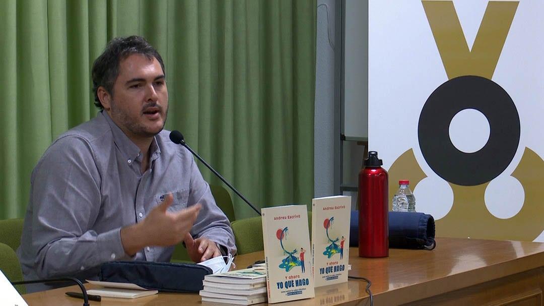 """Andreu Escrivà explica """"com evitar la culpa climàtica i passar a l'acció"""""""