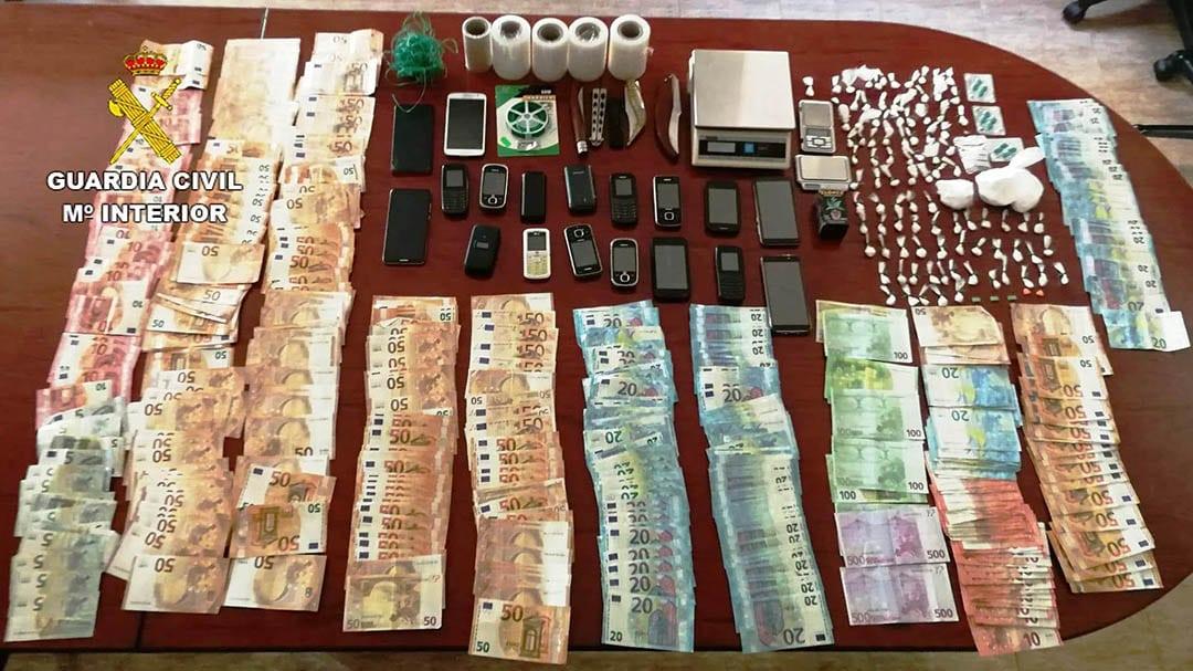 S'ha desarticulat dos punts de venda de drogues a la província