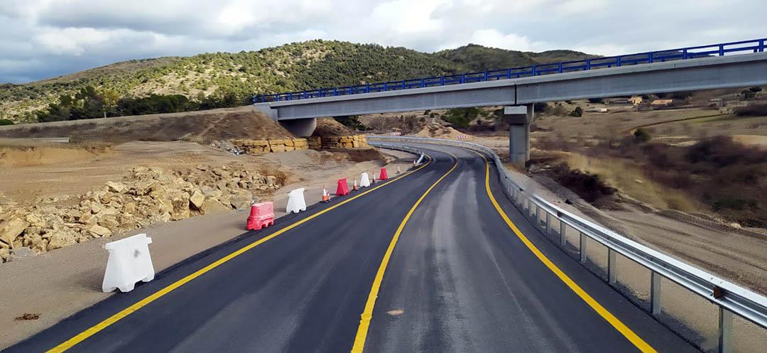 Oberta al trànsit l'N-232 del Port de Querol a Morella