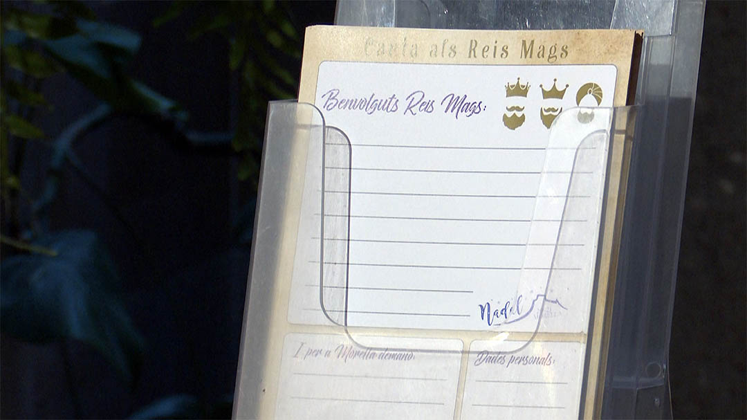 Morella ja té les tres busties reials per tirar les cartes