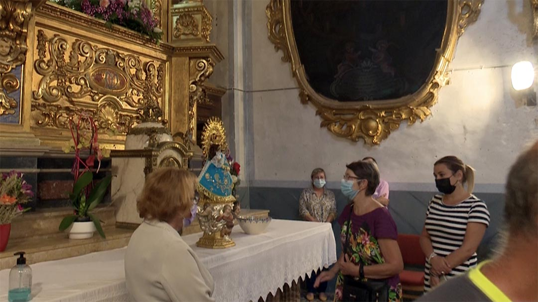 Morella li porta flors a Vallivana