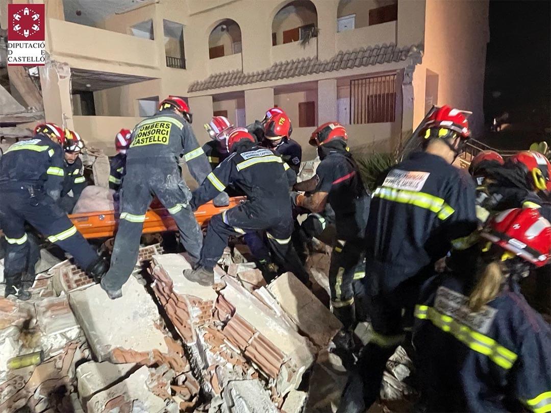Dues persones segueixen desaparegudes en enfonsar-se un edifici a Peníscola