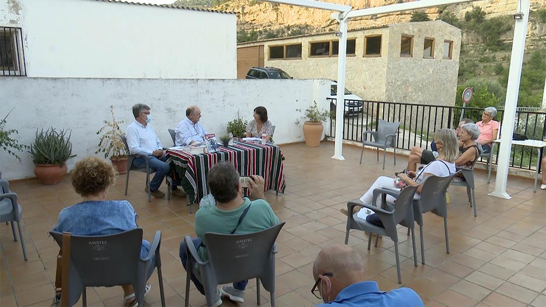 """Javier Andrés presenta """"Camino Roto"""" a Vallibona"""