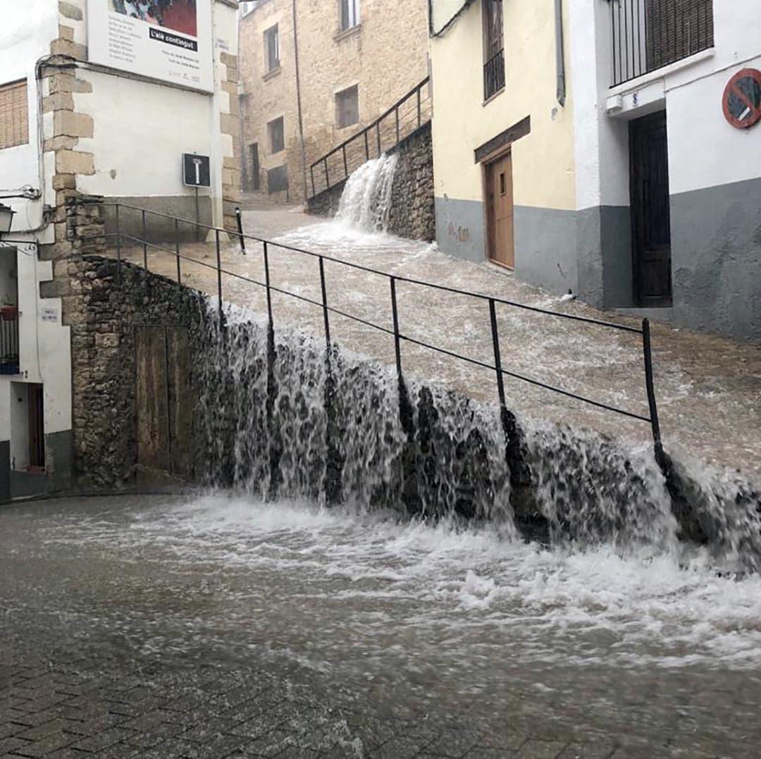 Plou a Morella a una intensitat de fins 180 l/m2