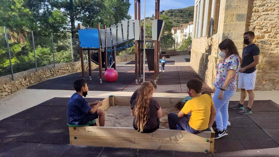 Vuit xiquets permeten mantenir oberta l'escola de Portell
