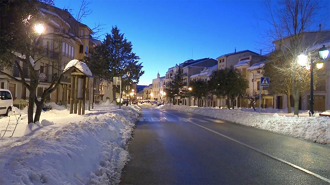 La neu i el gel dificulten encara qualsevol moviment per Vilafranca