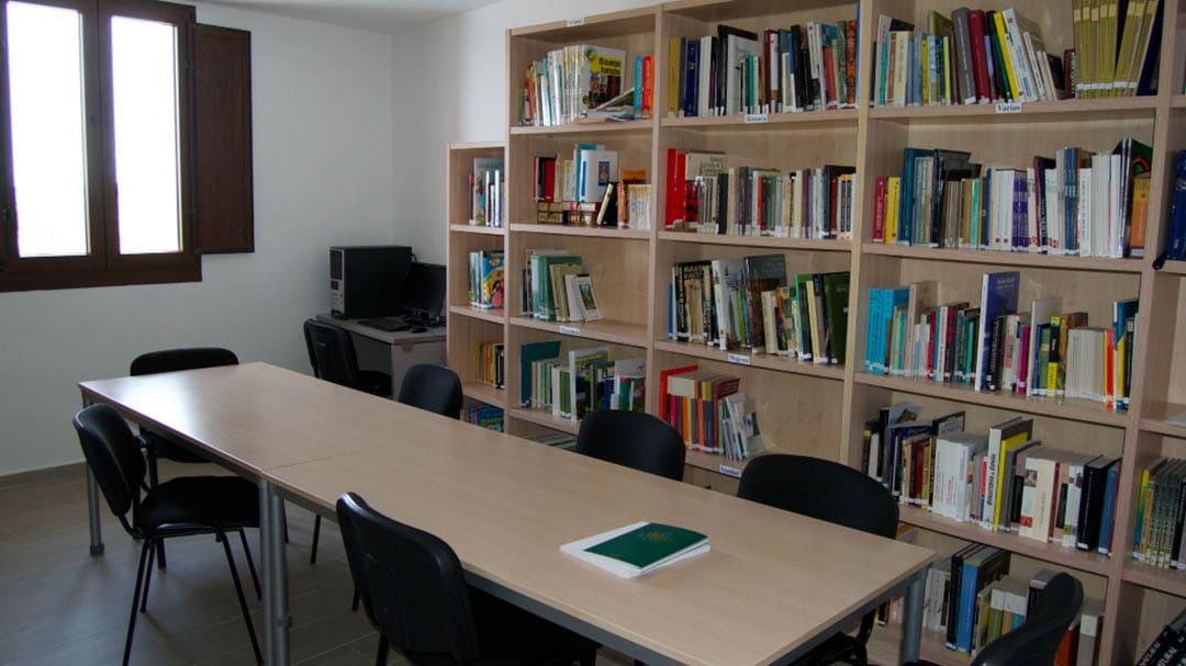 S'incorporen nous llibres a la biblioteca de Castellfort