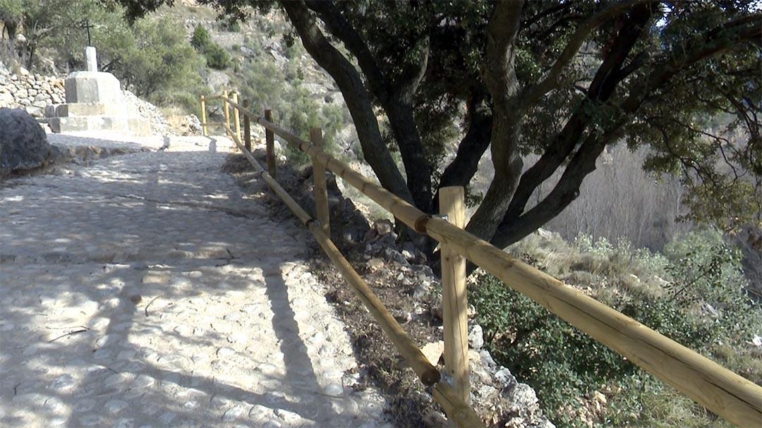 Vallibona recupera un camí i un peironet amb les ajudes per a la pedra en sec
