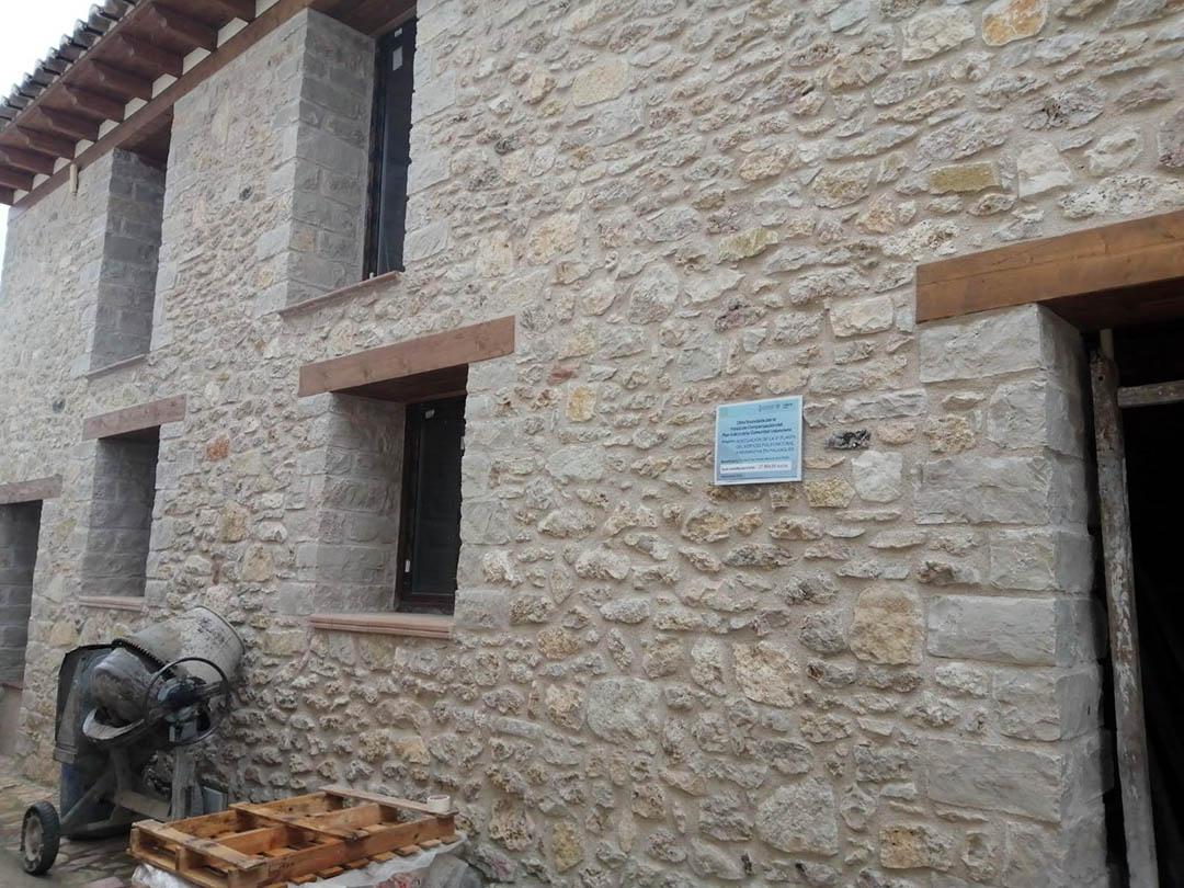 Palanques ofereix un habitatge recent restaurat a qui vulga instal·lar-se