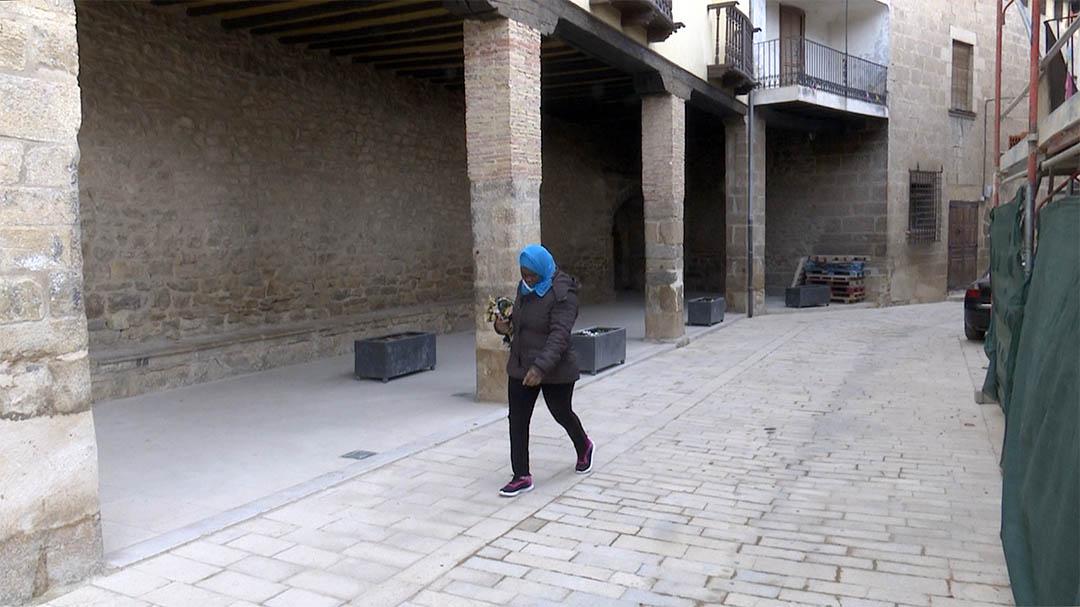 La Mata arregla el carrer major amb pedra de Cantavella