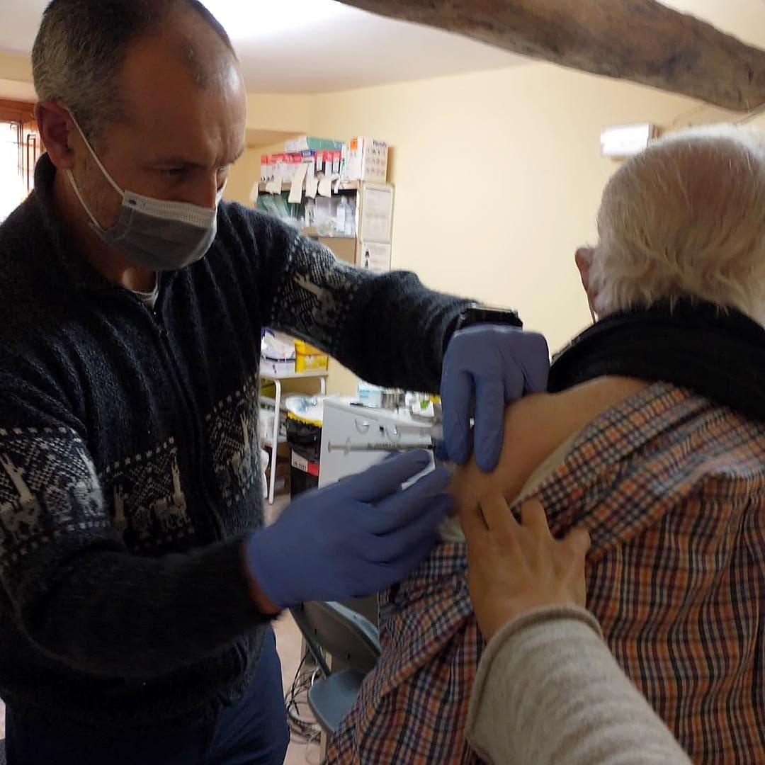 Els majors d'Ares es vacunen contra la Covid-19