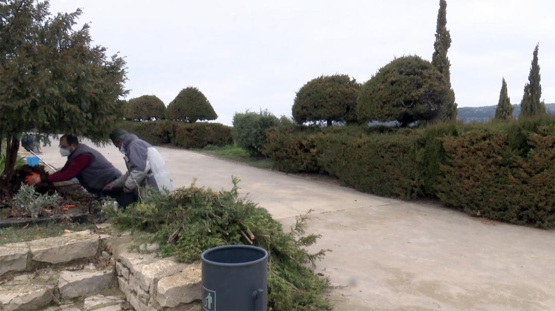 Morella es prepara per a la primavera amb el condicionament de zones verdes