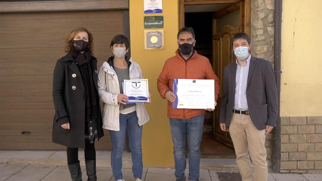 Els comerços vilafranquins renoven el distintiu de qualitat SICTED