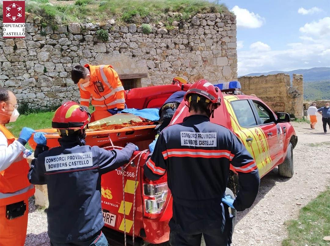 El bombers han de rescatar a una dona al Castell de Morella
