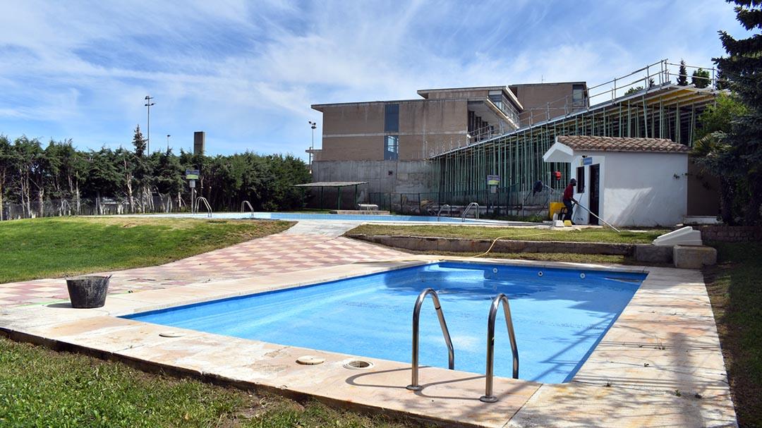 L'ajuntament ha iniciat els preparatius per a obrir la piscina a mitjans de juny