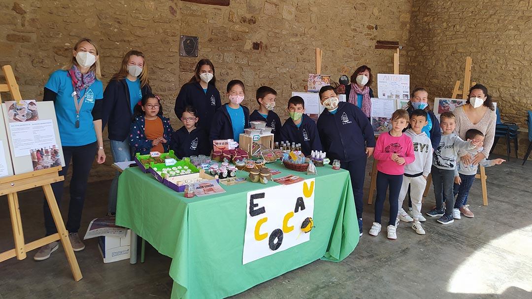 Els xiquets de l'escola d'Olocau fan una fira ecològica