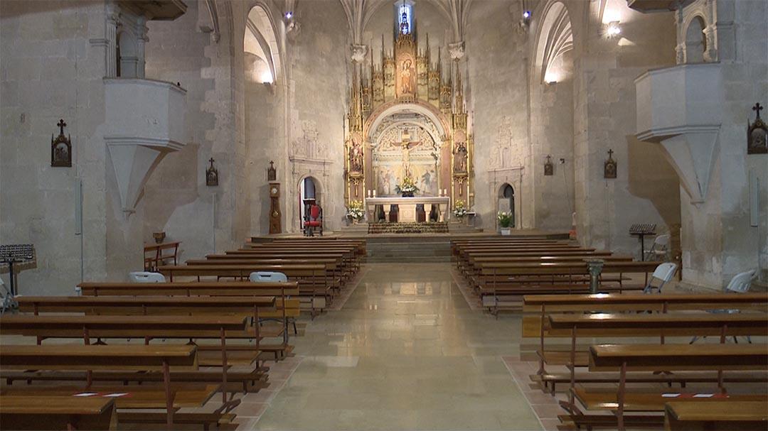 L'església de Vilafranca canvia els bancs amb una donació de Vila-real